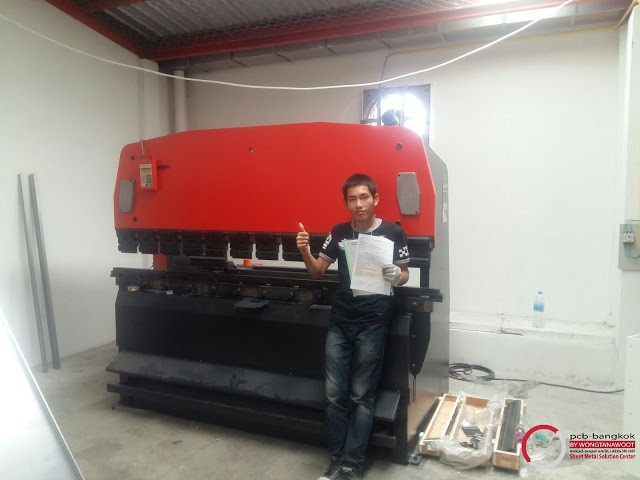 Wongtanawoot___press-brake_amada_1-1